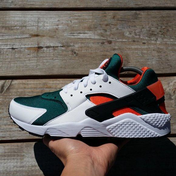 Nike Shoes | Nike Air Huarache Run Se